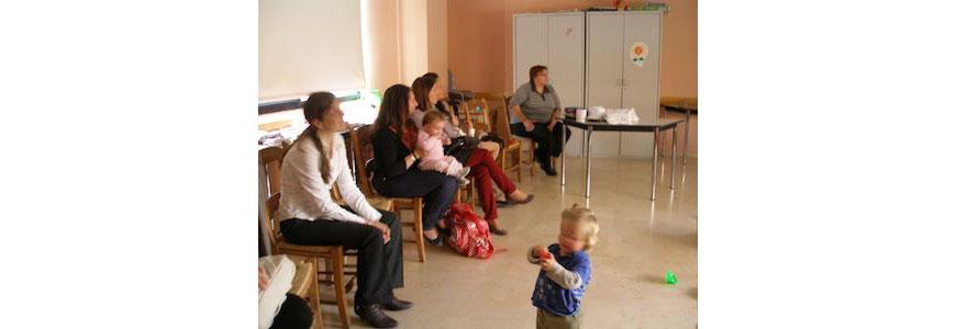 25 abril: Encuentro de madres y bebés